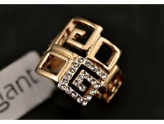 Gold Ring G square